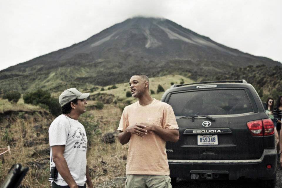 Shyamalan e Smith no set de After Earth