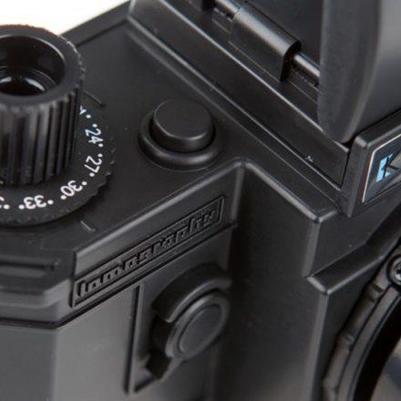 89aabb3705b83 Lomography Konstruktor é um kit completo com peças para montar sua SLR  analógica