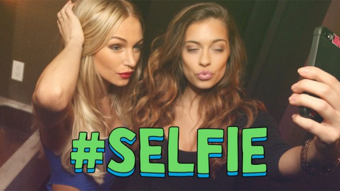 hashtag-selfie