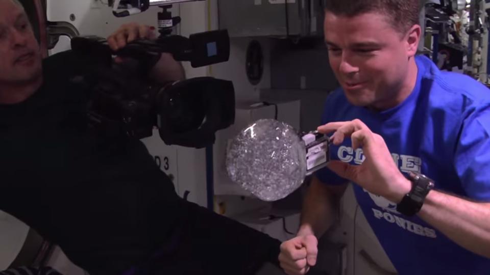 astronaut-water-bubble-gopro
