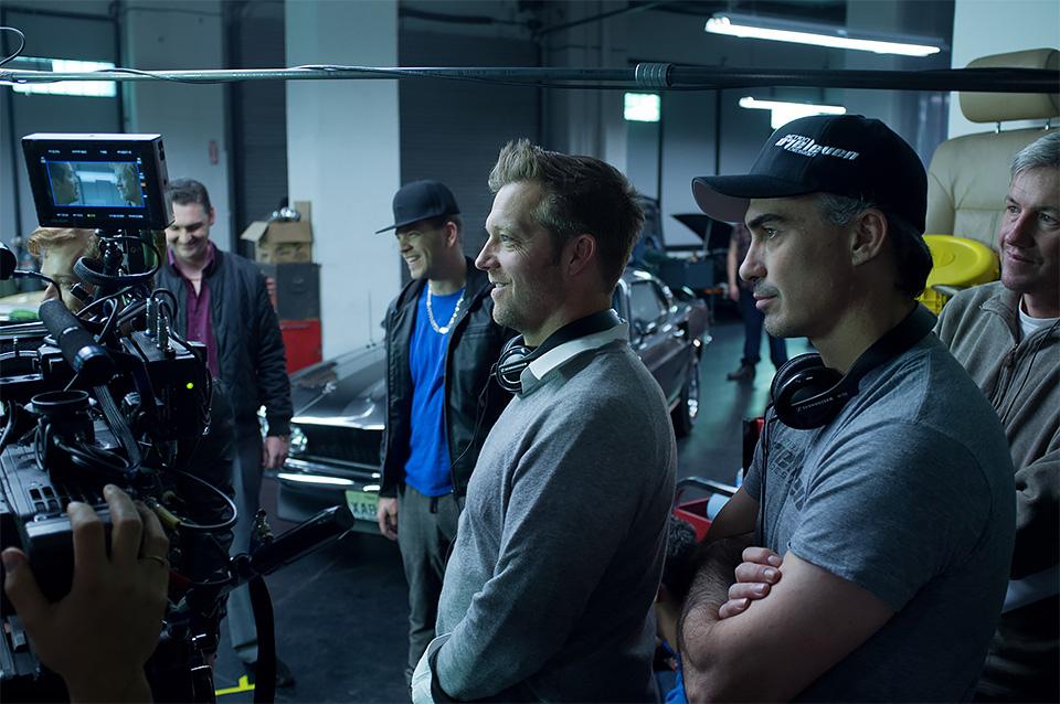 Os diretores Chad Stahelski e David Leitch no set