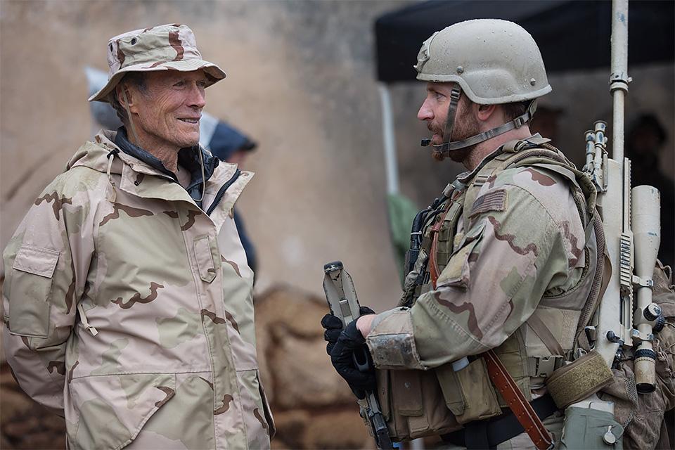 Clint Eastwood e Bradley Cooper no set