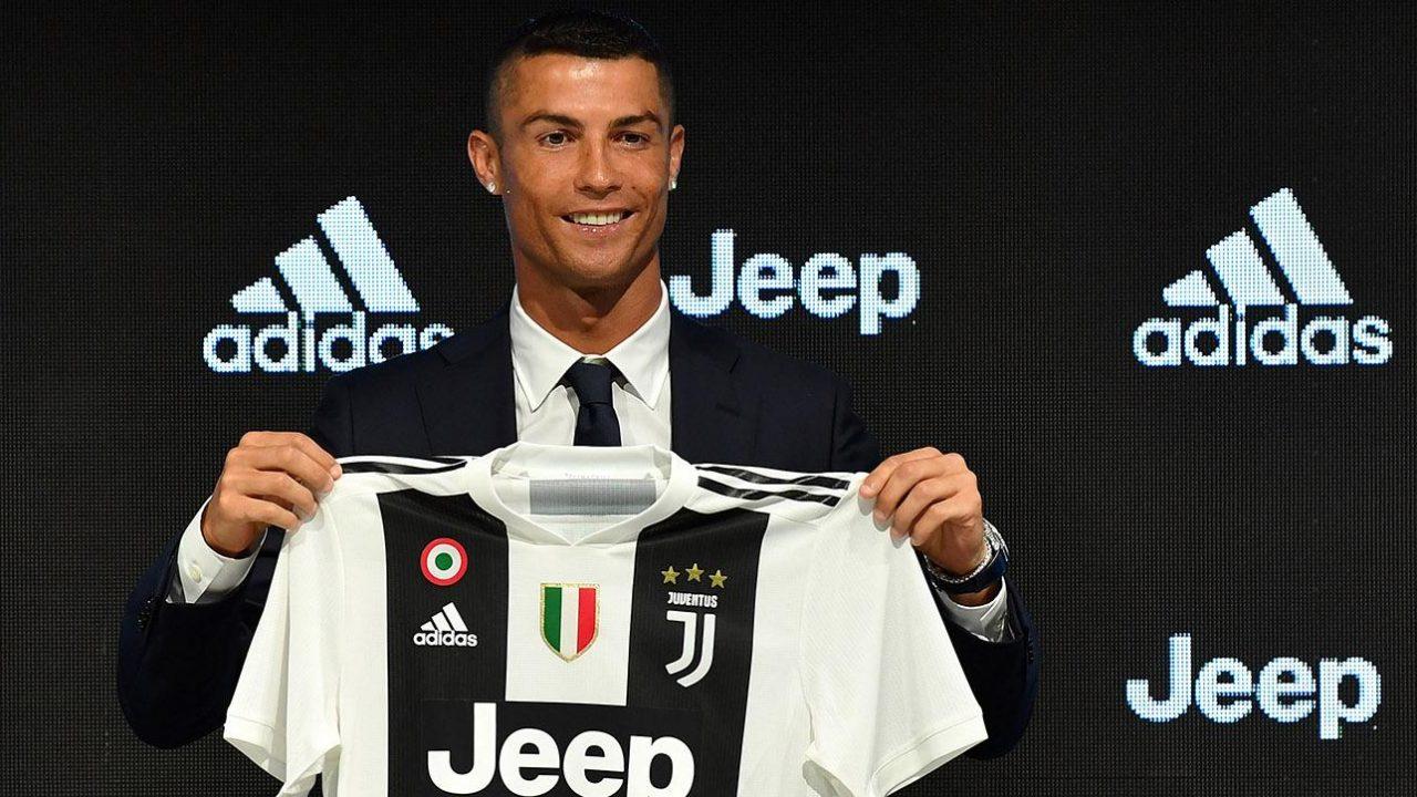 552f529d271ea Chegada de Cristiano Ronaldo na Juventus provoca alta na venda de camisas  do time