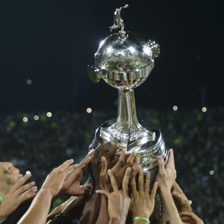 copa-libertadores-trophy_og2zl0gxrauz1m27l1rvcym0c