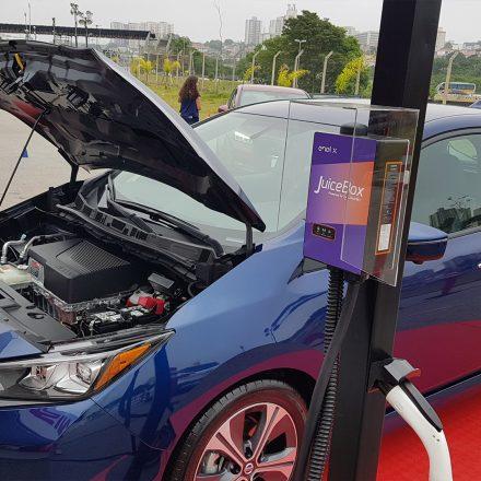 Nissan Leaf e Enel X JuiceBox