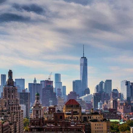 beutiful-clouds-over-new-york-city-manhattan-skyline-nyc-ny-4k-timelapse_4jvvukh3__F0000