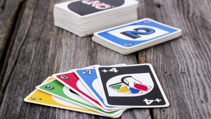 1200-83302997-uno-card-game