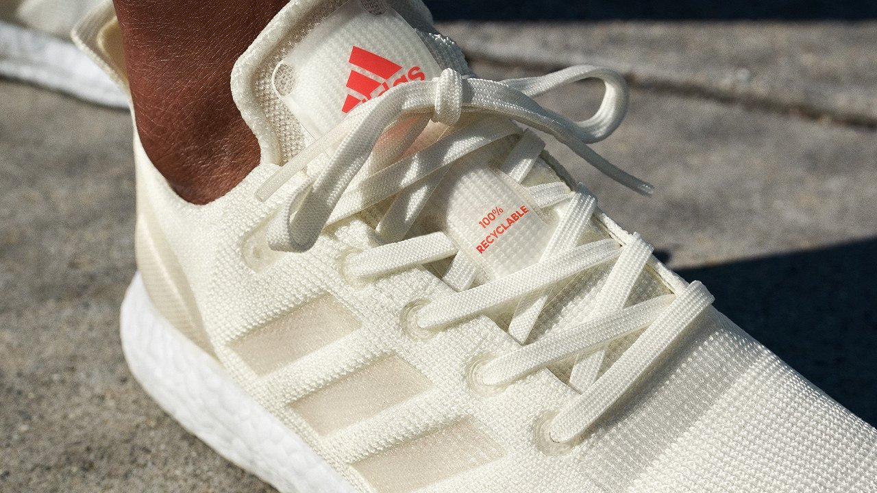 860b91bac2d Adidas lança seu primeiro tênis feito 100% com materiais recicláveis