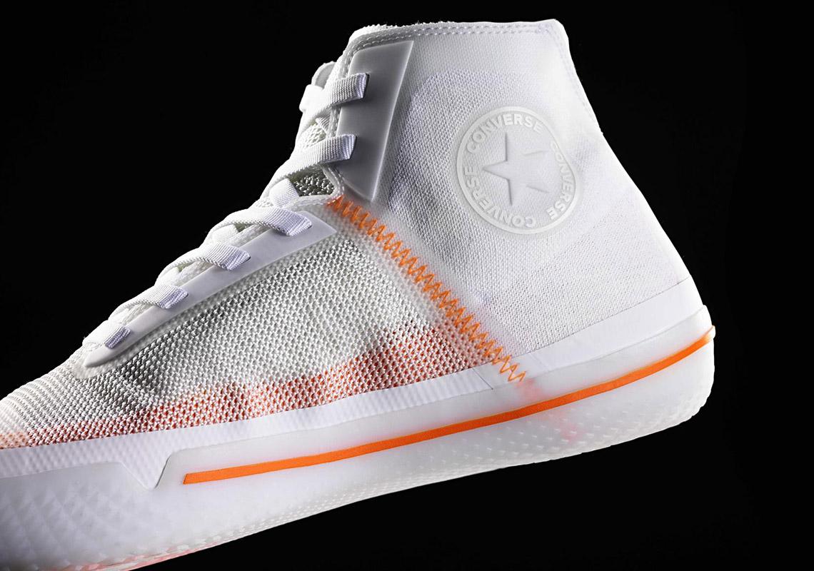 2c073ebe25f O tênis também marca a primeira colaboração oficial entre a Converse e a  Nike. A primeira empresa foi comprada pela segunda em 2003