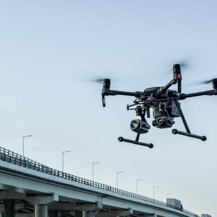 Vendidos como resistentes, drones da polícia do Reino Unido não funcionam na chuva