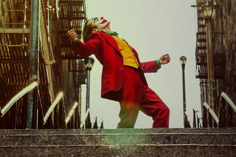 https-hypebeast-com-image-2019-10-joker-stairs-attraction-bronx-new-york-meme-01-1571996358