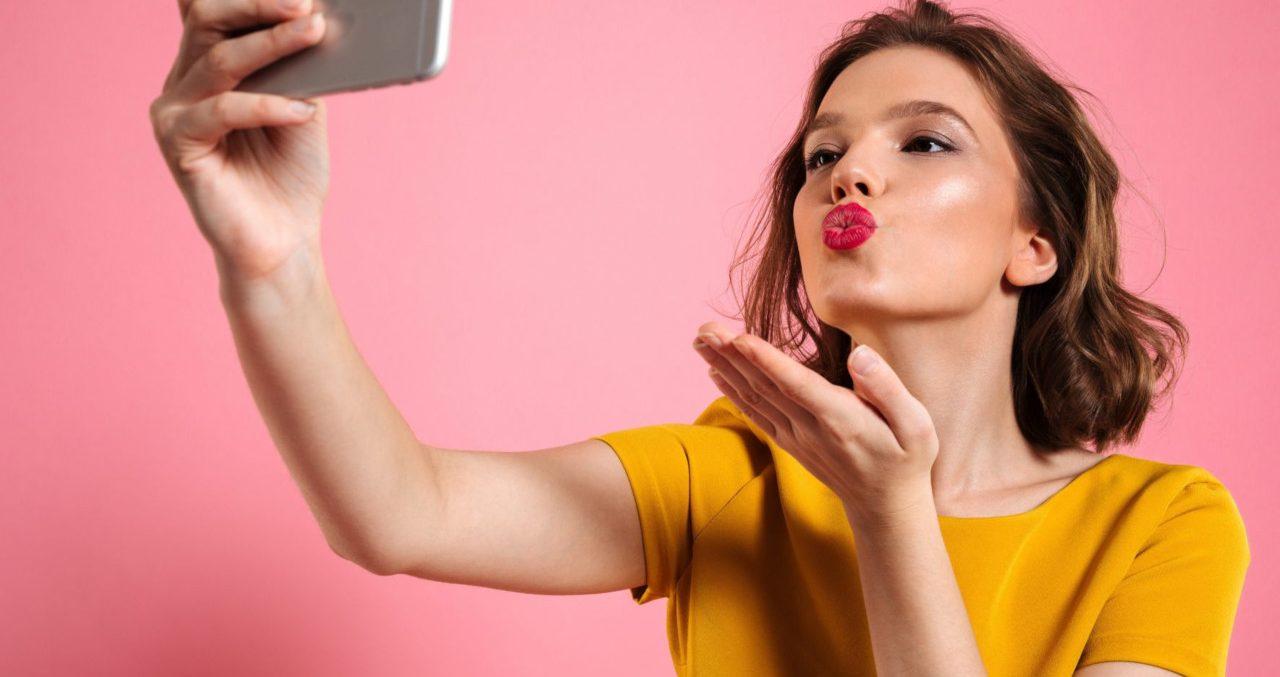 Mesmo com mulheres dominando o setor, marcas pagam mais para homens em  posts patrocinados na redes sociais