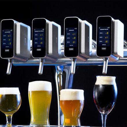 Startup cria inteligência artificial que serve o colarinho perfeito de cerveja