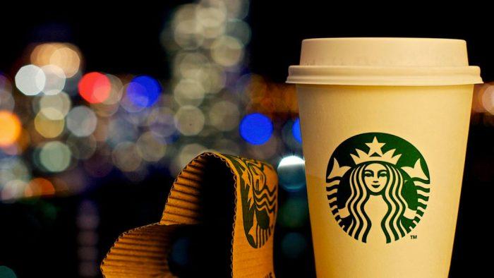 Maior número de opções à base de plantas no cardápio vira objetivo de sustentabilidade do Starbucks