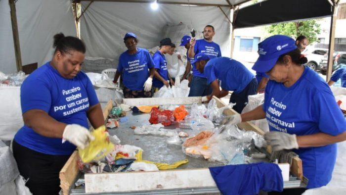 carnaval-ambev-reciclagem