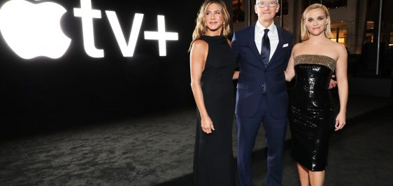 Apple_The-Morning-Show-Premiere_Jennifer-Aniston-Tim-Cook-Reese-Whiterspoon_102819