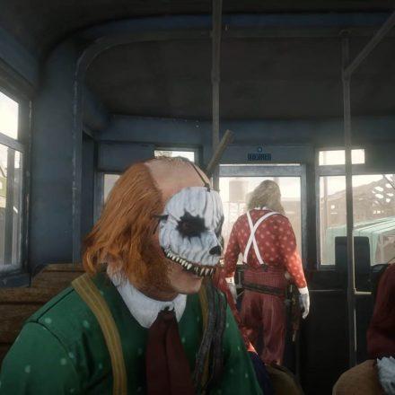 Red-Dead-Online-Clown-Train-Closeup-071520