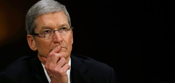 20160426laguna_sad_tim_cook