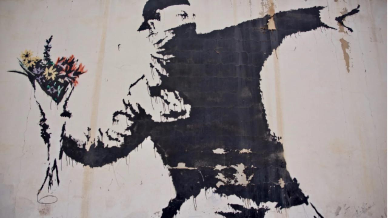 Banksy-Flower-Thrower