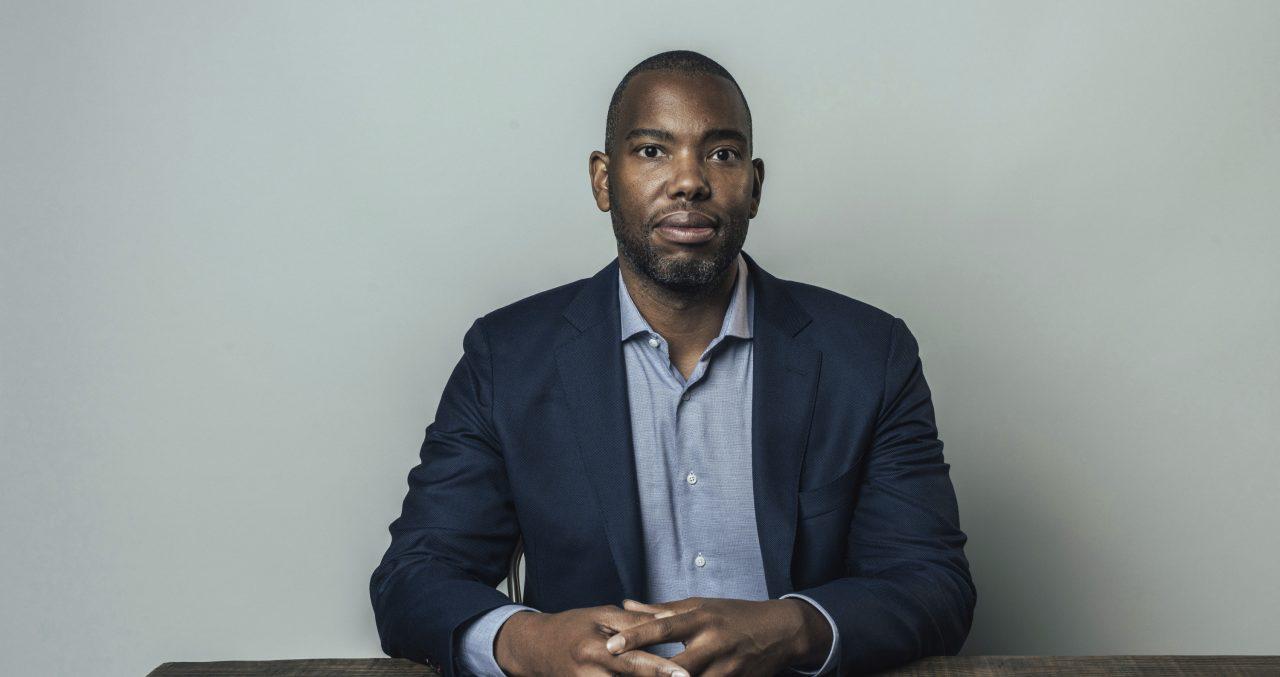 Ensaísta Ta-Nehisi Coates vai escrever roteiro do novo filme do Superman, que pode ser interpretado por negro
