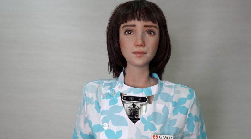 grace-enfermeira-robo